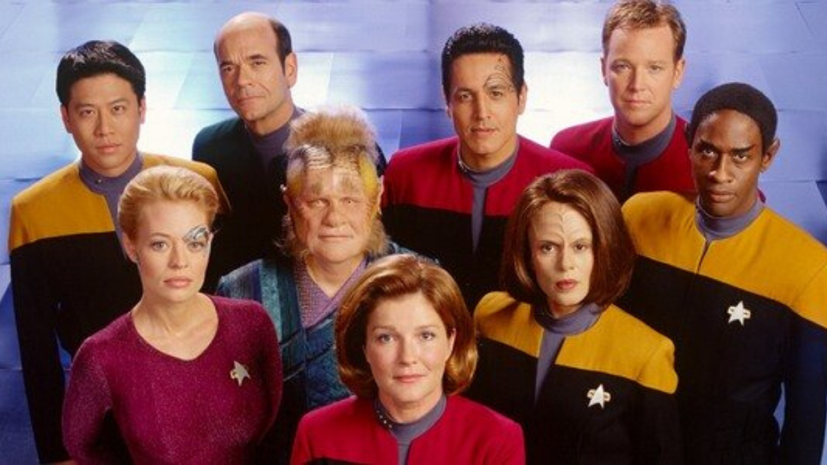 Voyager documentary crowdfunding campaign is moving at warp speed – Daily Star Trek News