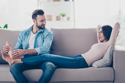 husband-massage-wife-feet-wp