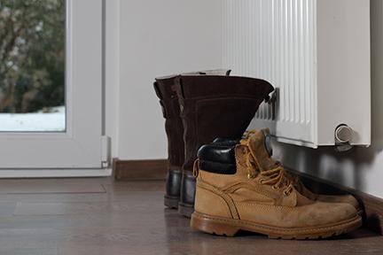 Shoes-radiator-wp12.25