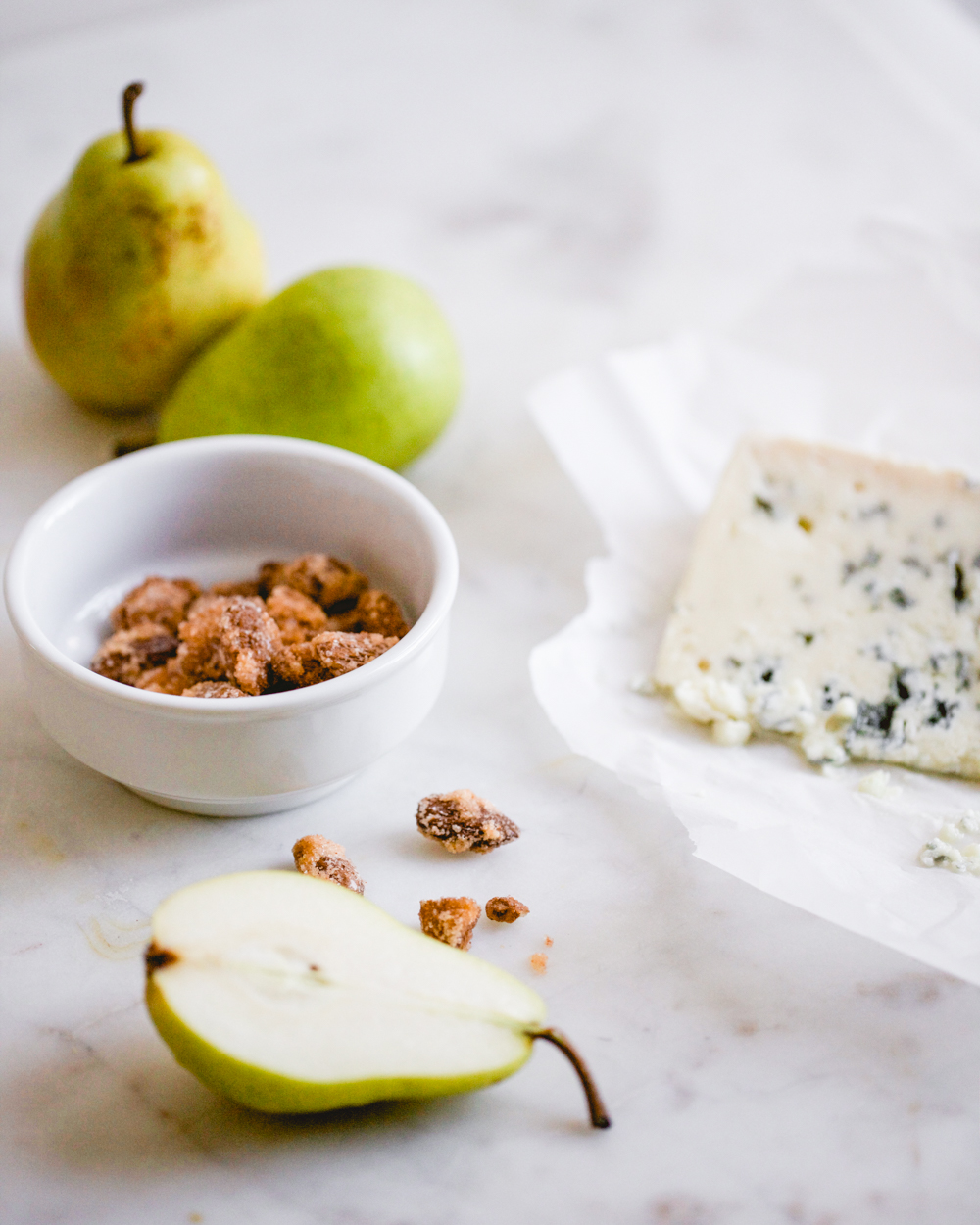 Winter salad with pear, candied almonds, and blue cheese recipe - Marisa Curatolo
