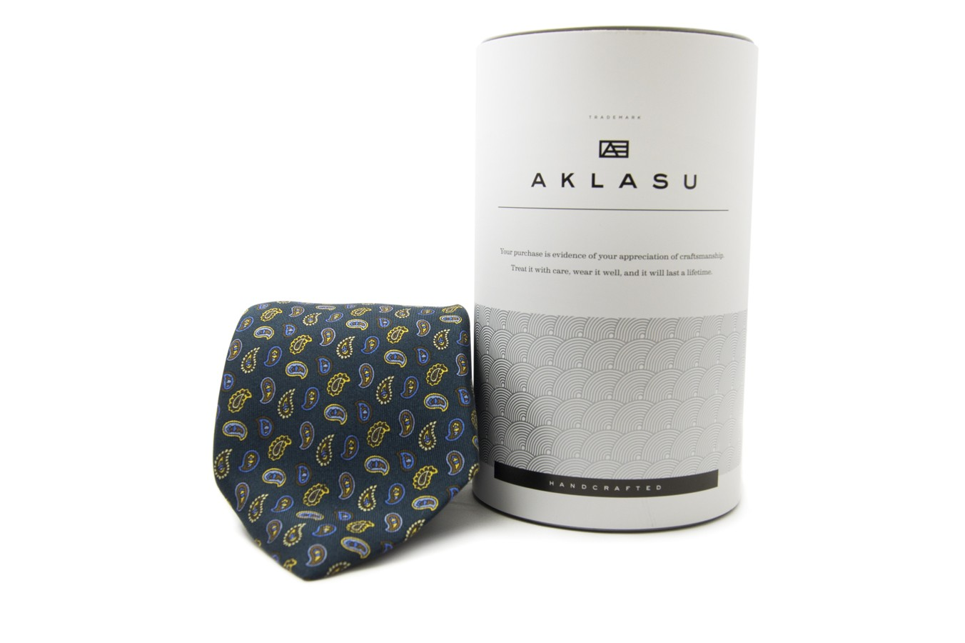 The Best Holiday Gifts for Men - six fold silk tie aklasu