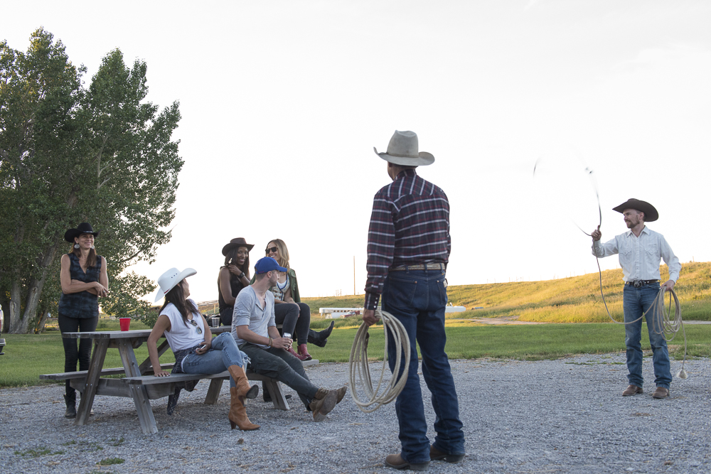 2015-GMC-Canyon-Calf-Roping-Dinner-14