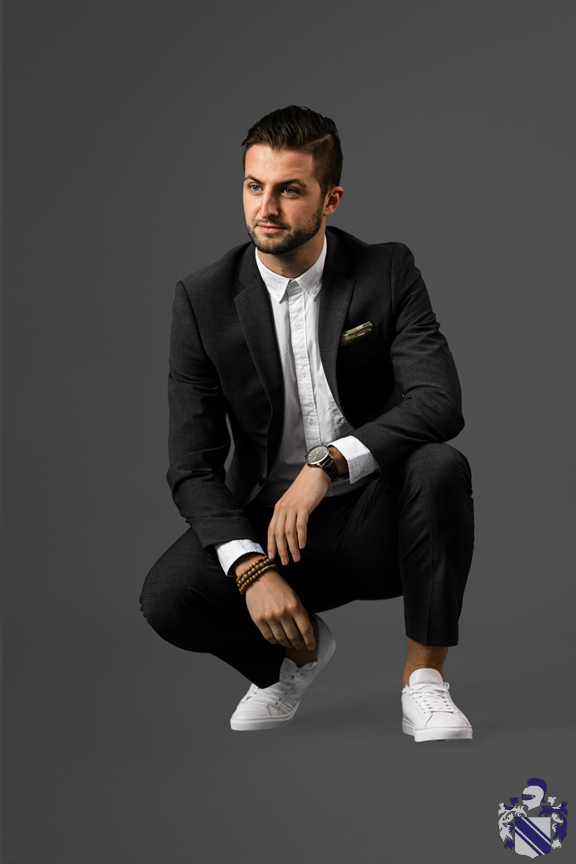 Express - September - How to dress down a suit 1