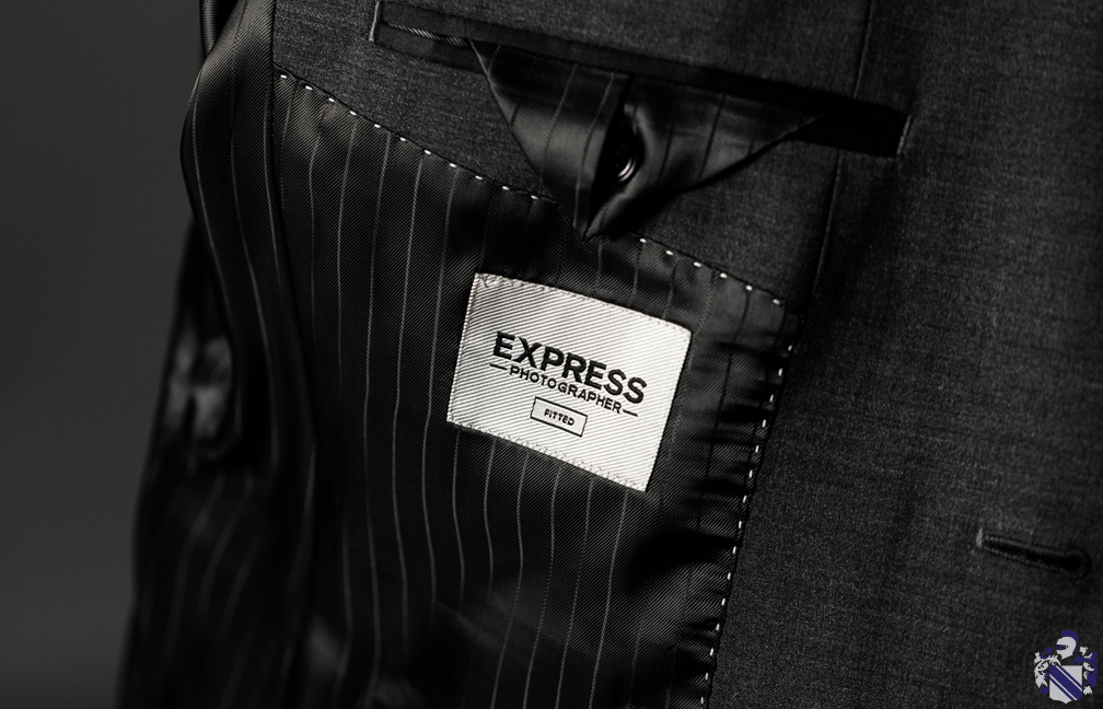 Express - September - How to dress down a suit 5