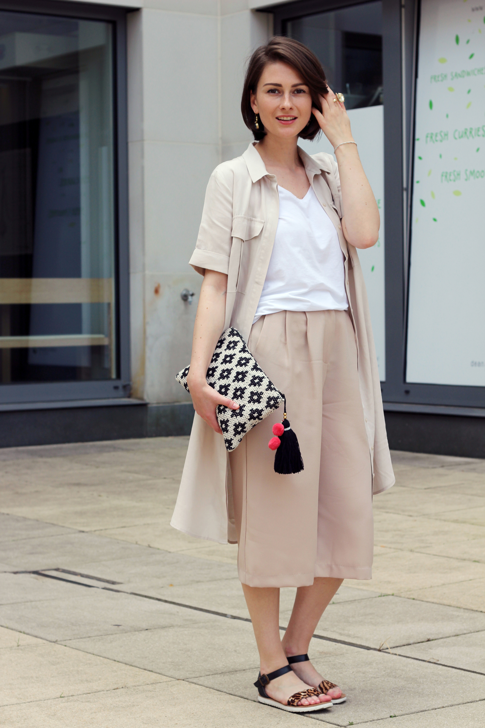 Safari city style beige camel outfit