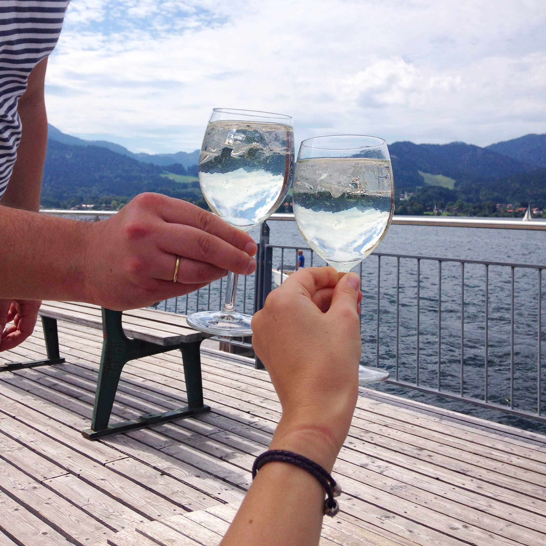 tegernsee-lake-view-wine-glass-bavaria-annaporter