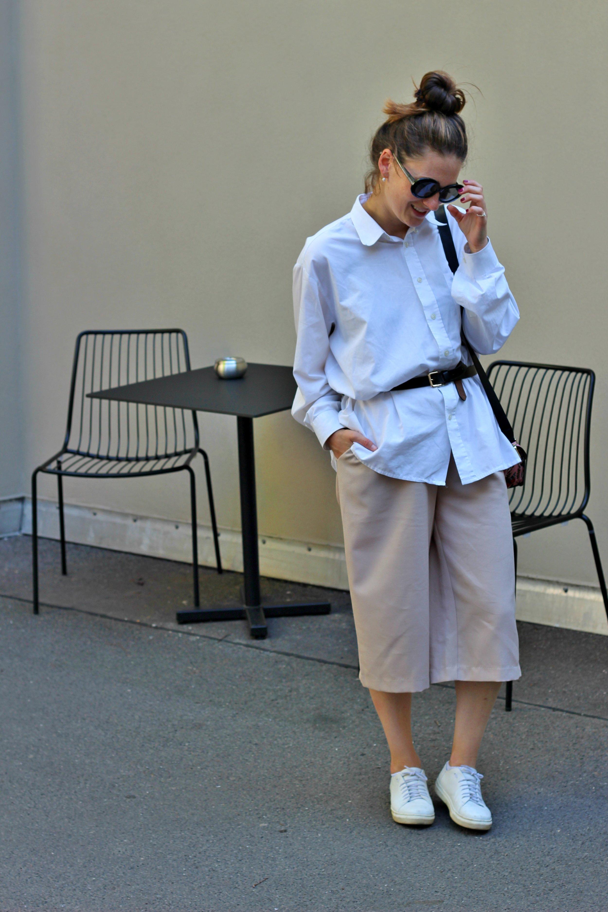 annaporter-outfit-beige-culottes-white-shirt-furla-bag-1