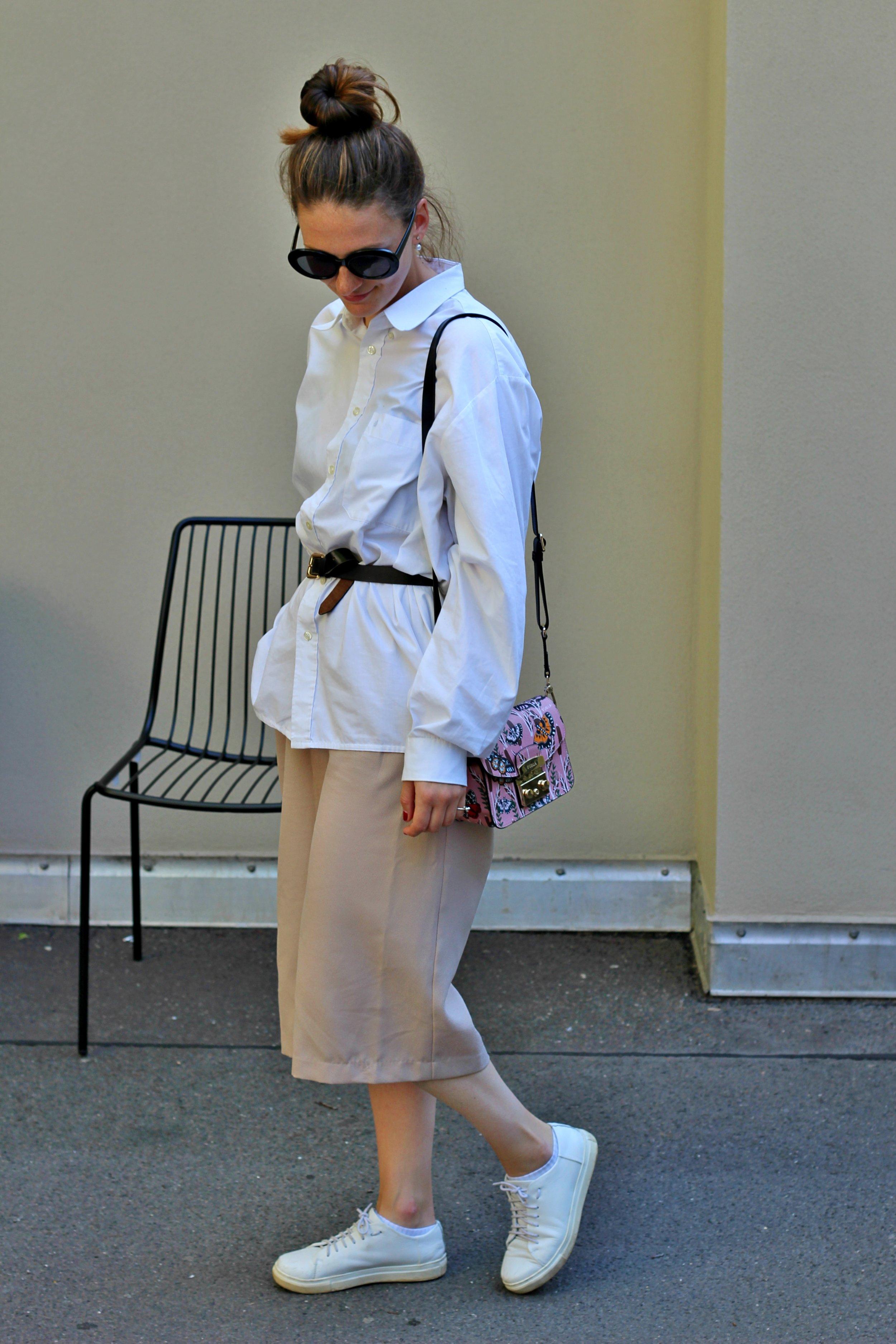 annaporter-outfit-beige-culottes-white-shirt-furla-bag-3