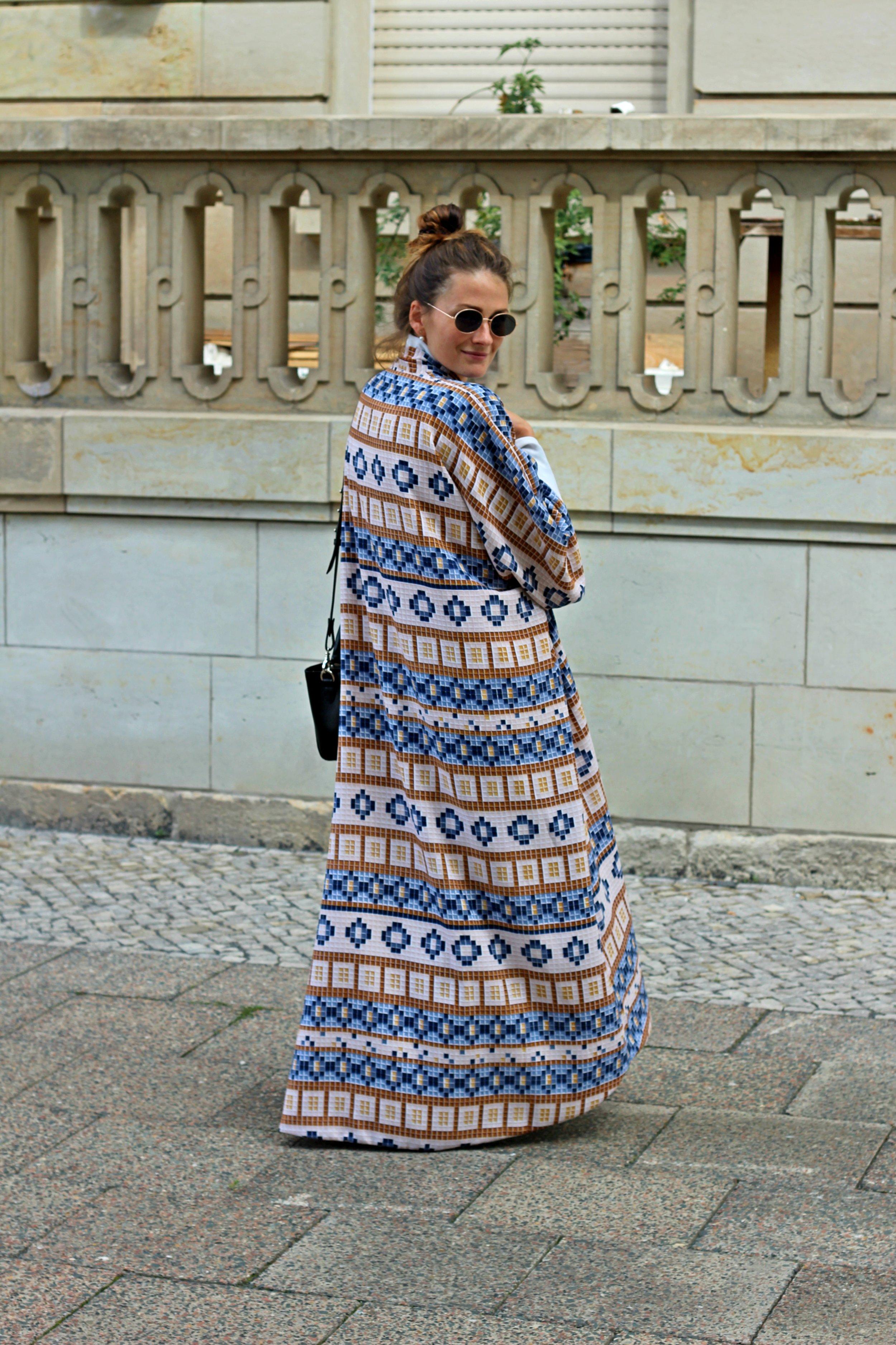 black-anaar-annaporter-kaftan-fashion-blogger-3