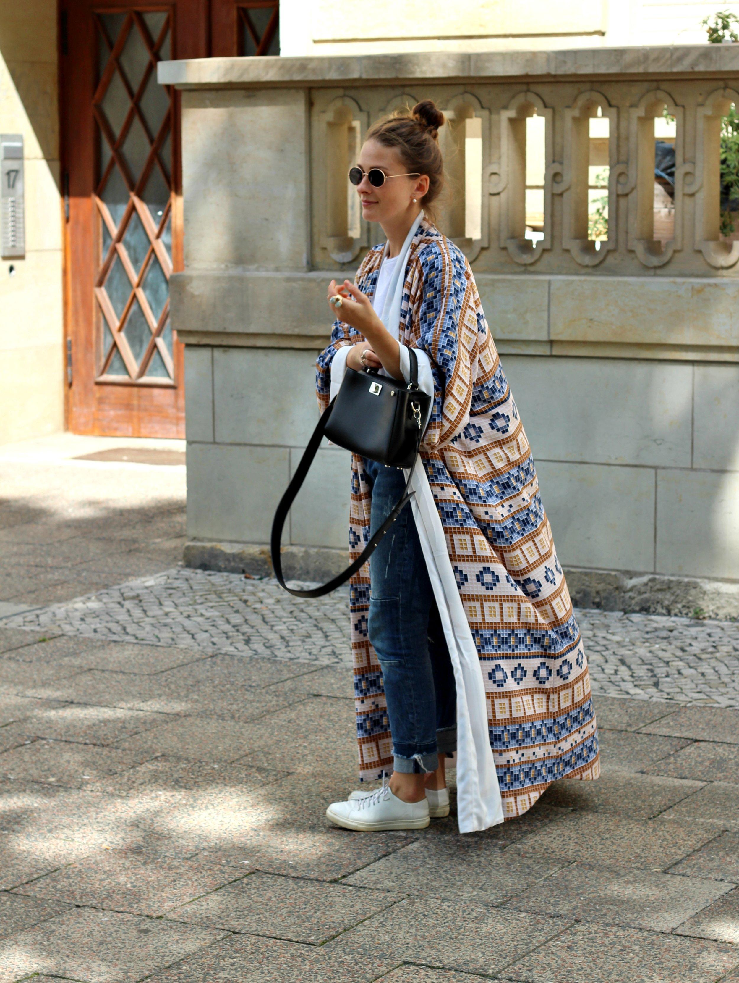 black-anaar-annaporter-kaftan-fashion-blogger-4