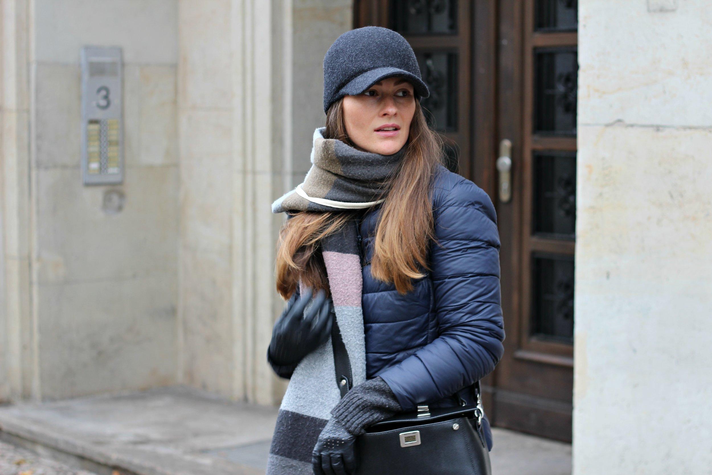 annaporter-benneton-black-cap-casual-outwear-2