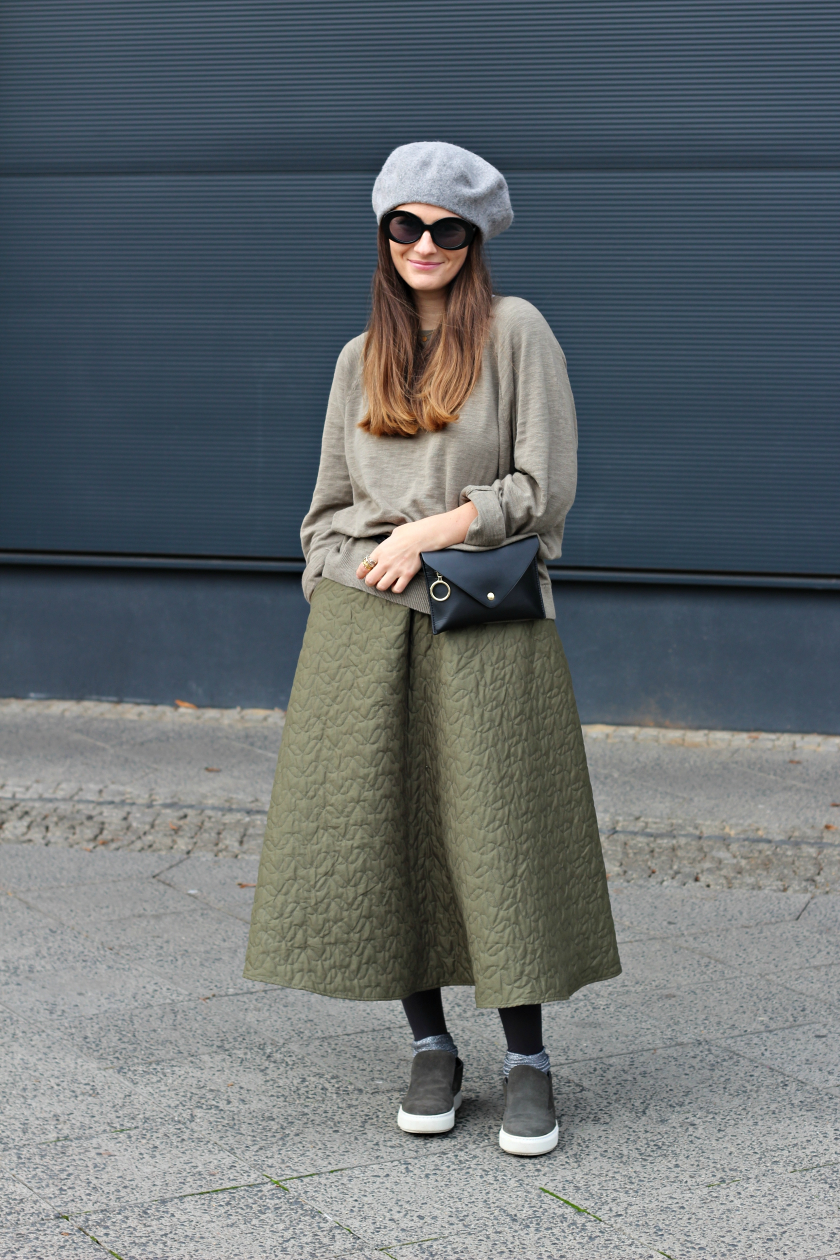 annaporter-green-skirt-uniqlo-shabbiesamsterdam-belt-bag