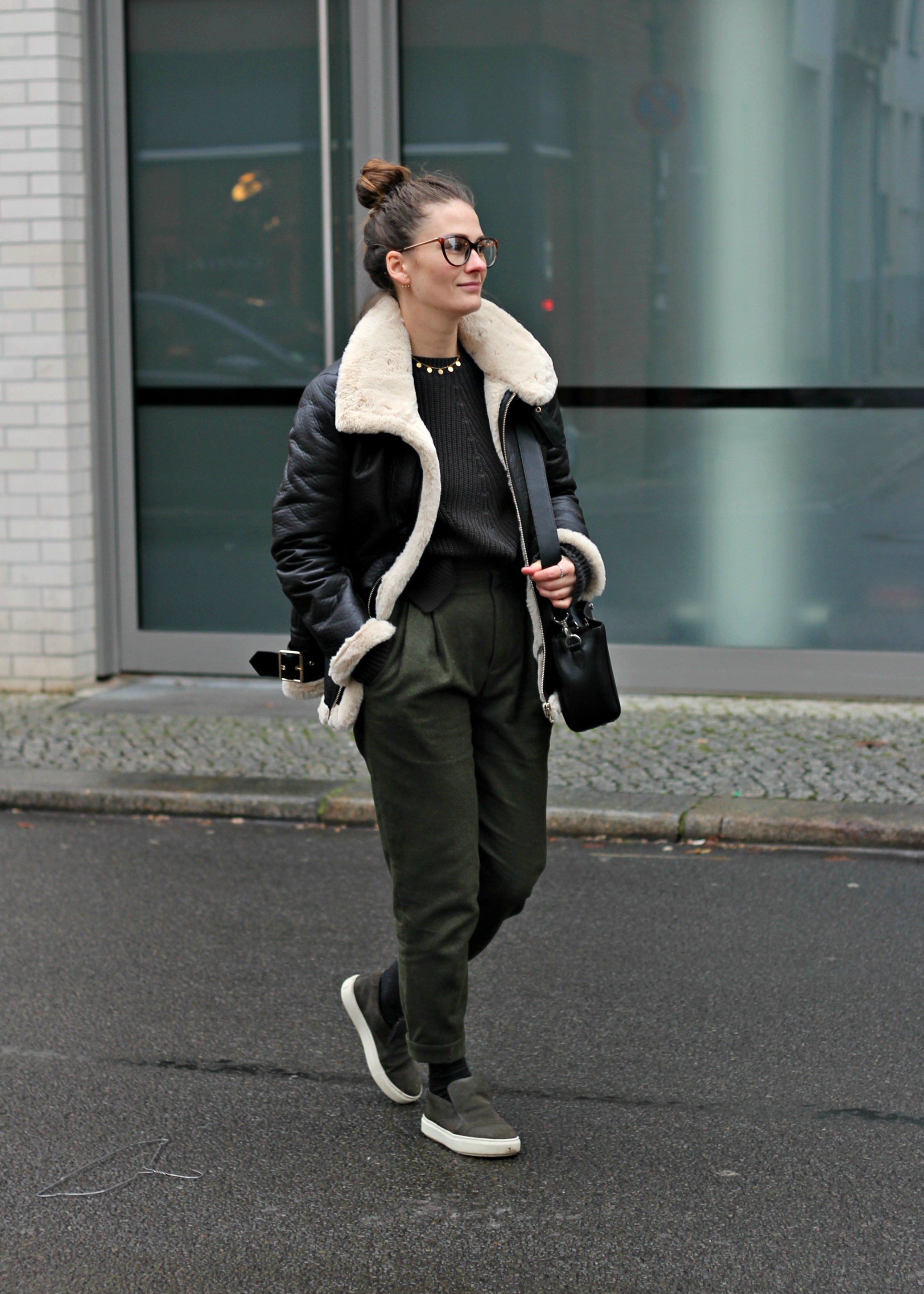 annaporter-shearling-jacket-winter-cropped