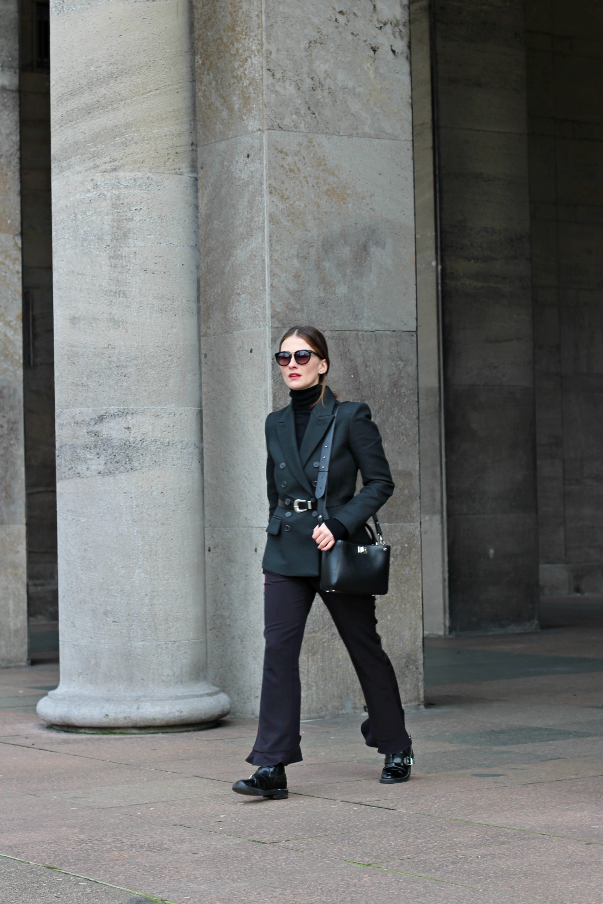 annaporter-double-breasted-blazer-dark-green-mango-business-look-1