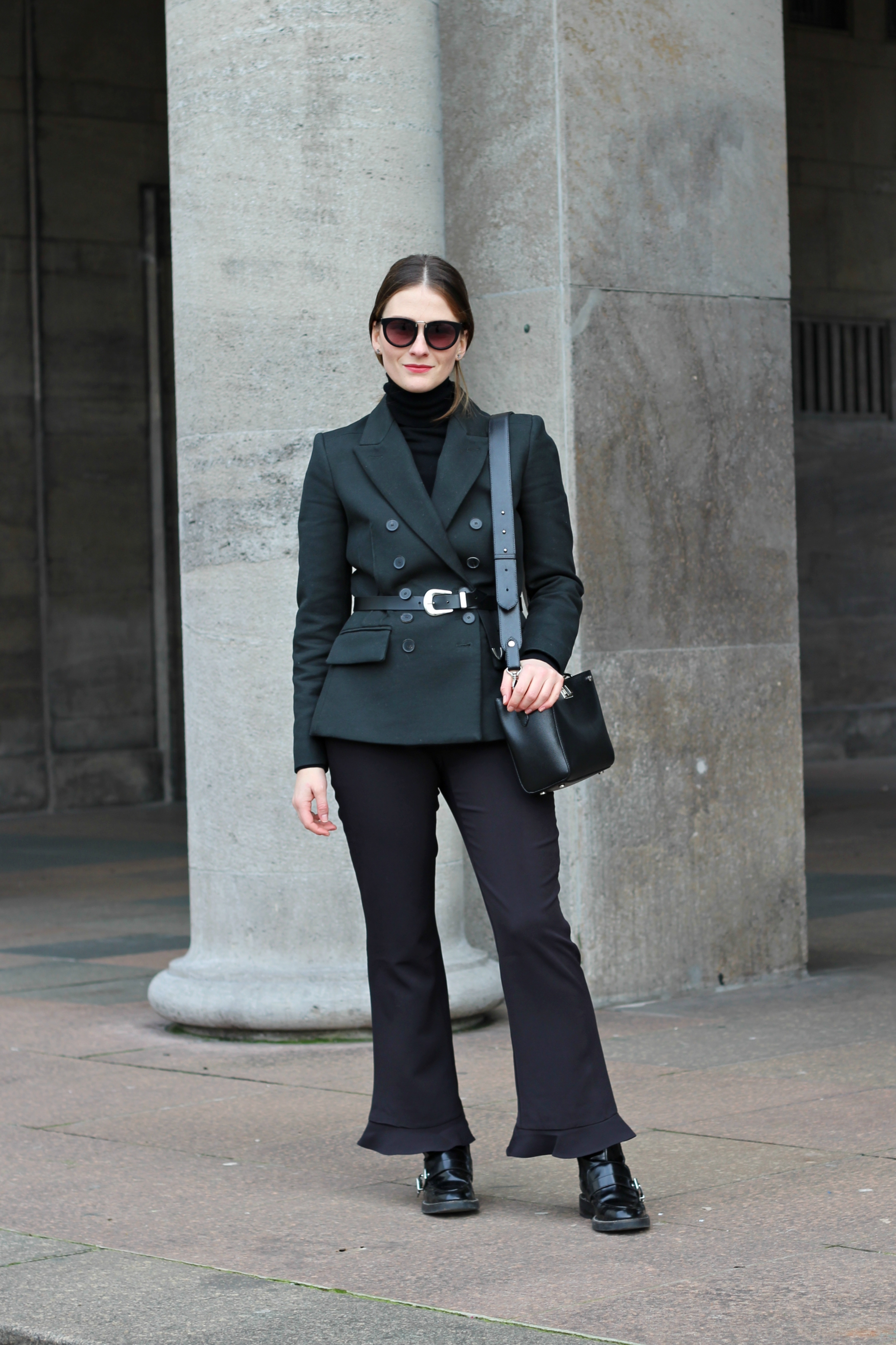 annaporter-double-breasted-blazer-dark-green-mango-business-look