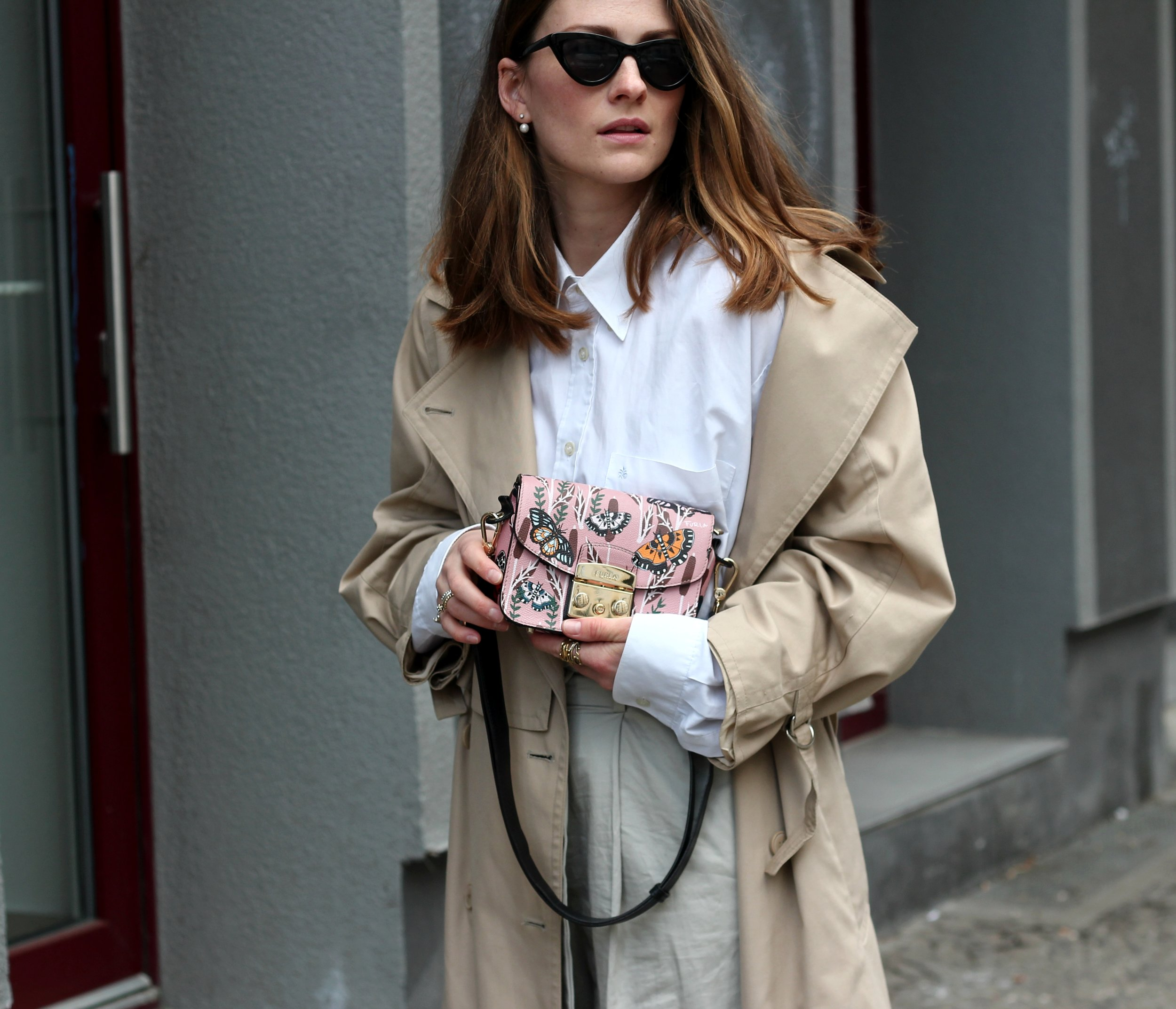 annaporter-trench-look-portrait