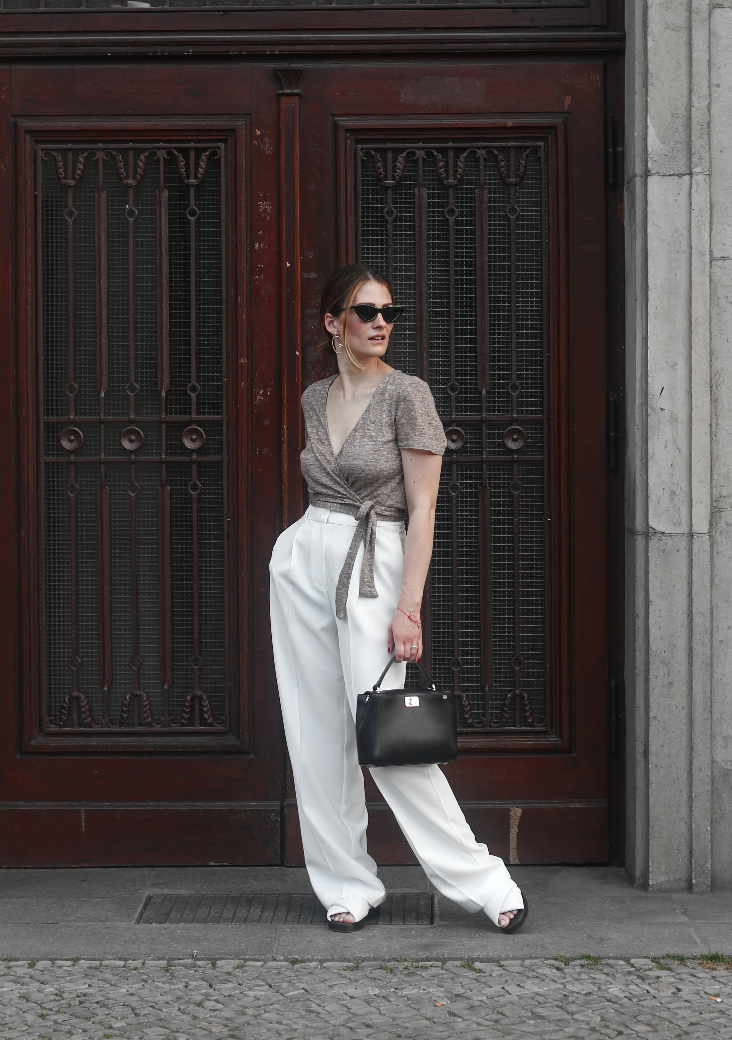 annaporter-white-trousers-mango-croppedtop-summer-look