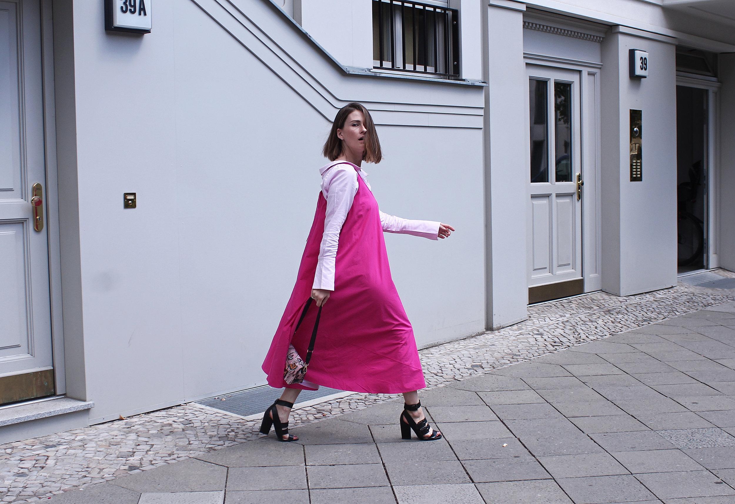 annaporter-pink-dress-drykorn-11