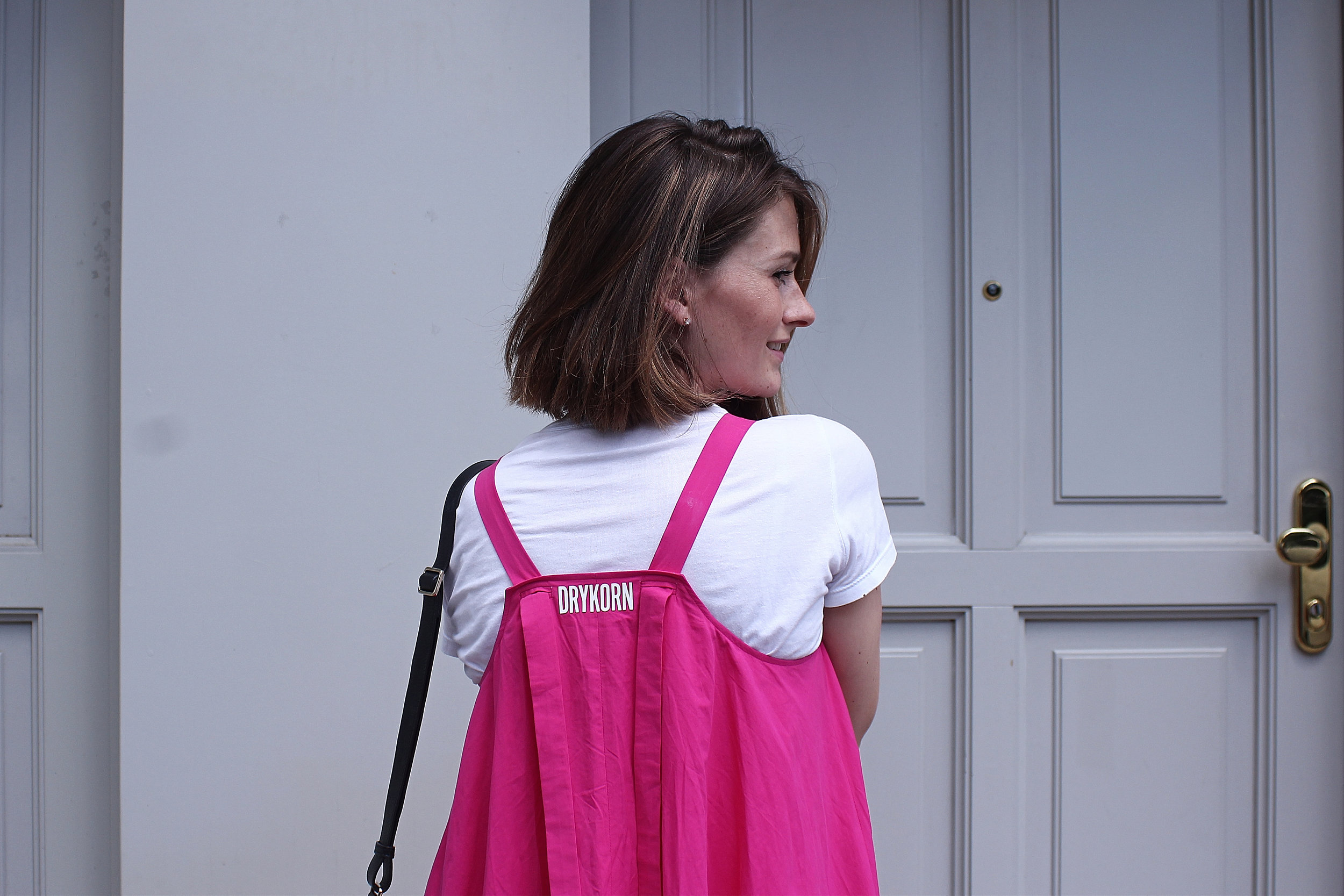 annaporter-pink-dress-drykorn-portrait-1