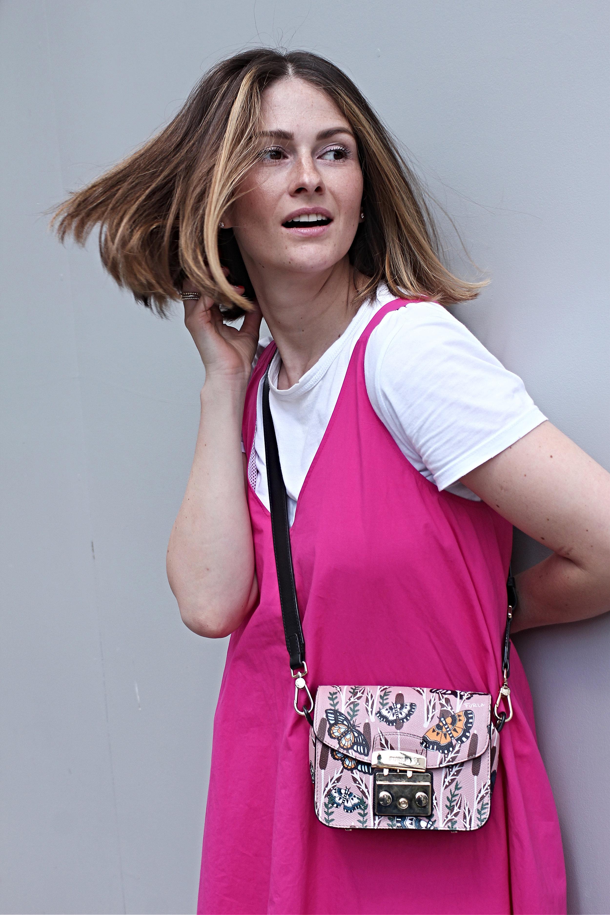 annaporter-pink-dress-drykorn-portrait