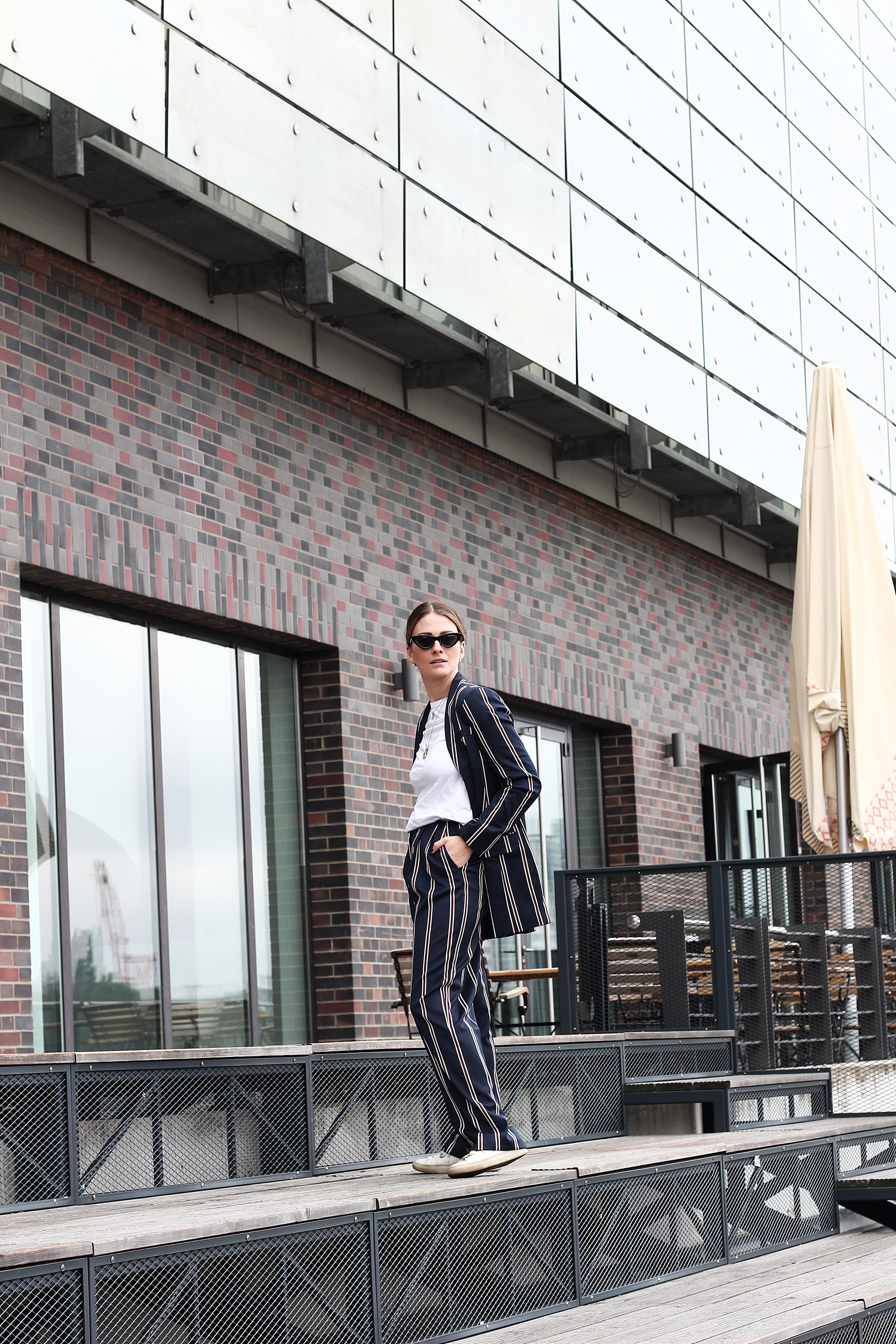 annaporter-striped-suit-asos-casual-look-5