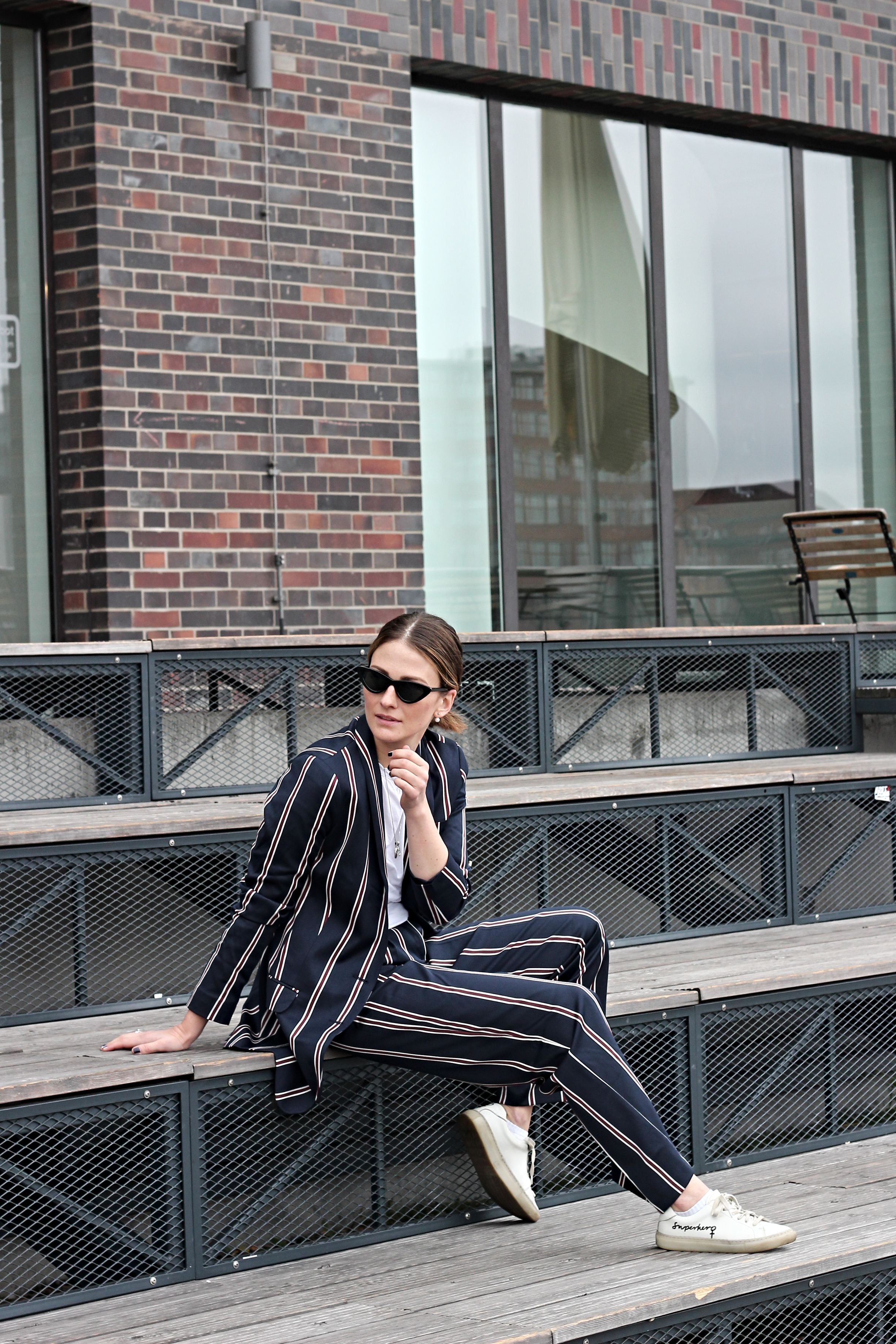 annaporter-striped-suit-asos-casual-look-6