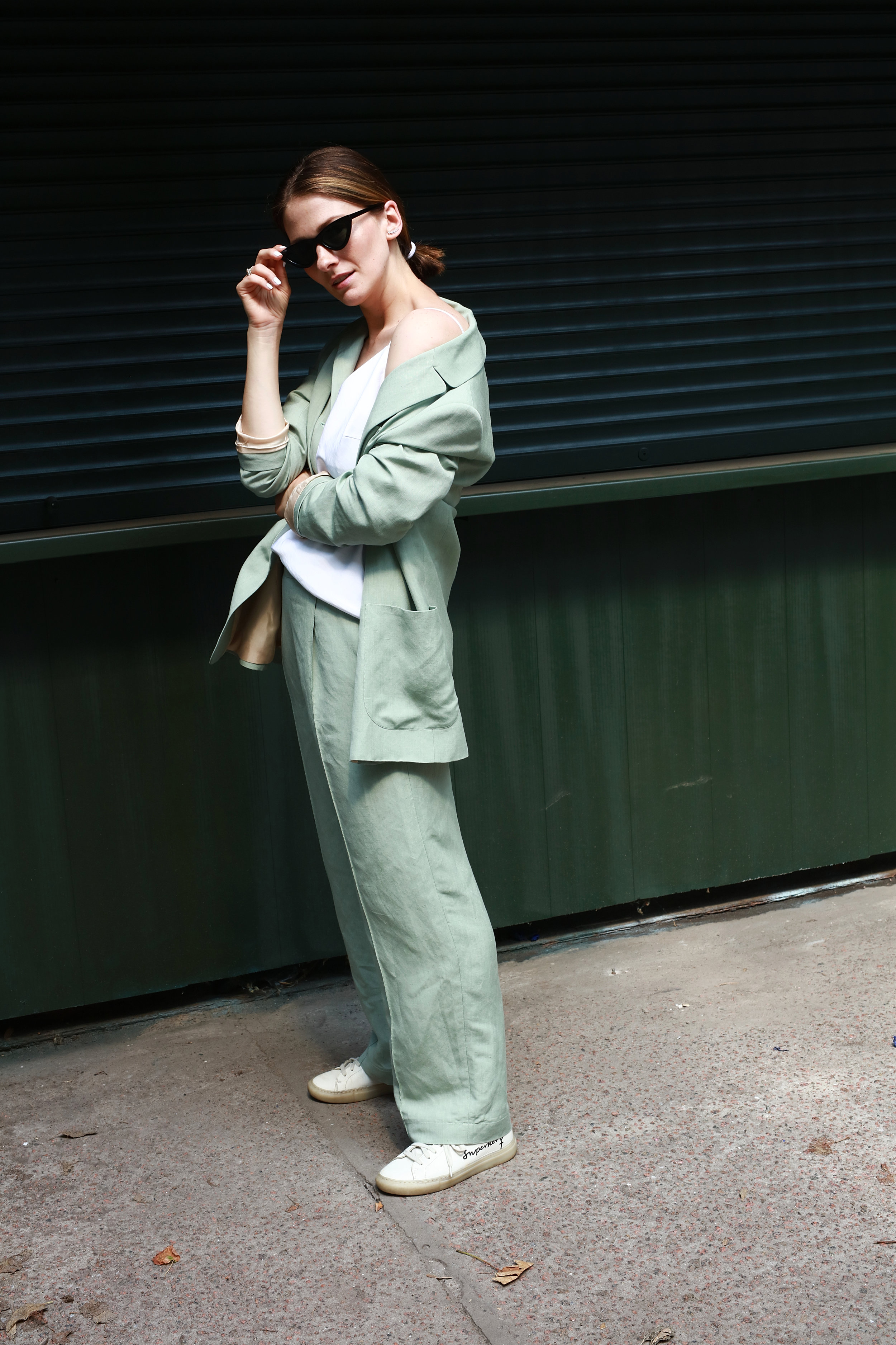 http___ann-a-porter.com_linen-jacket-and-trousers-katimo-1