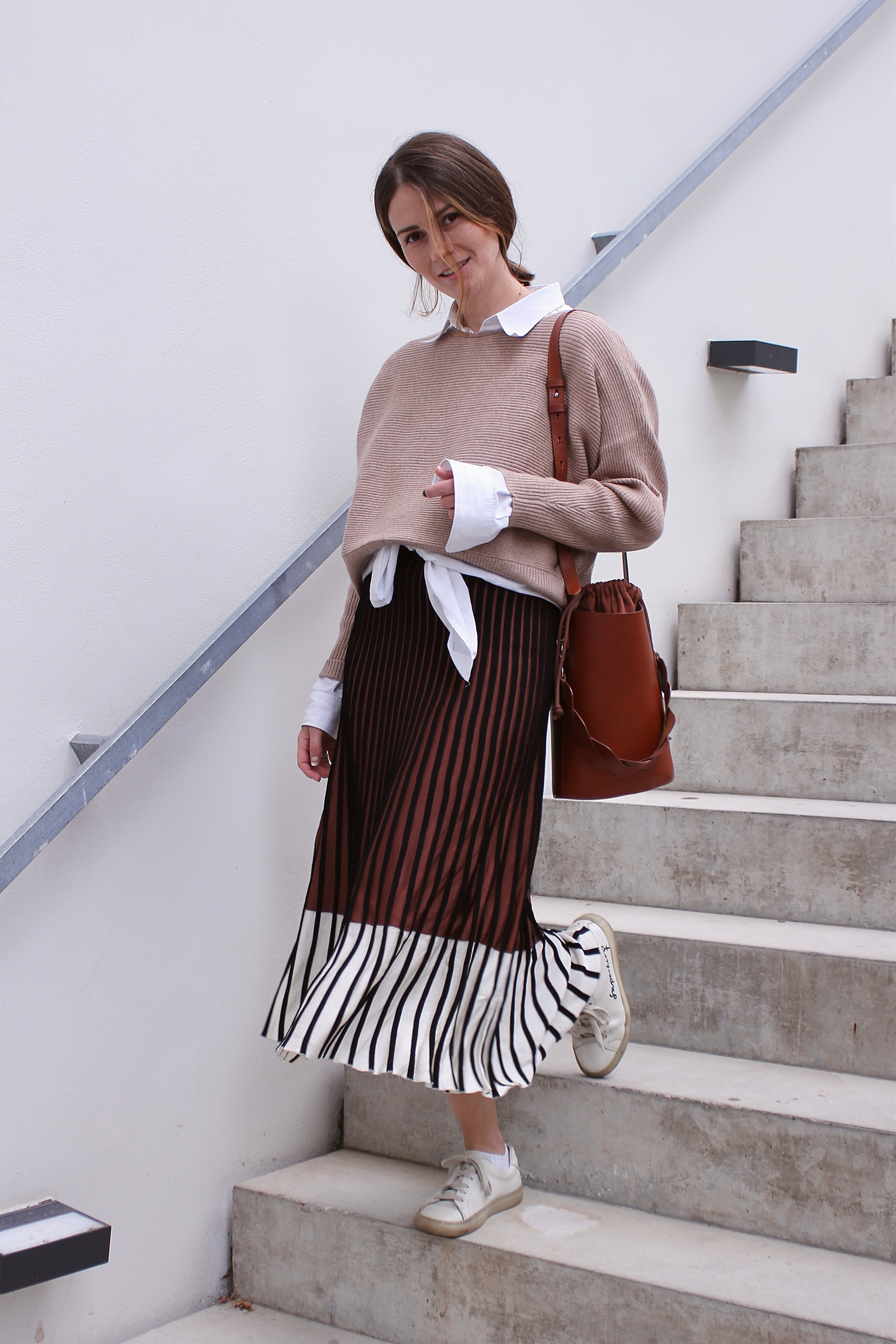 annaporter-beige-brown-outfit-1