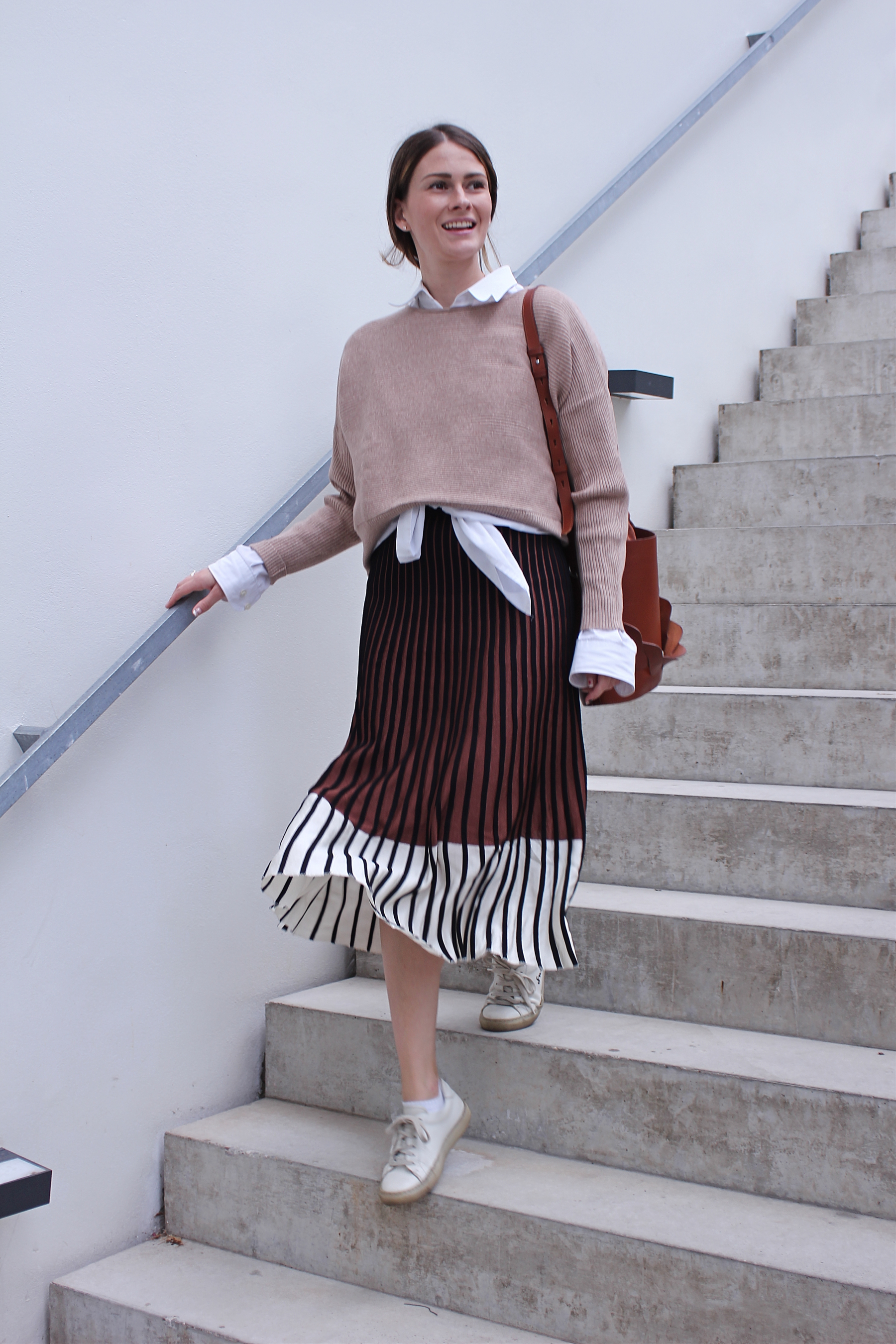 annaporter-beige-brown-skirt-outfit