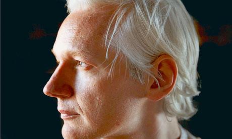 Julian-Assange-007