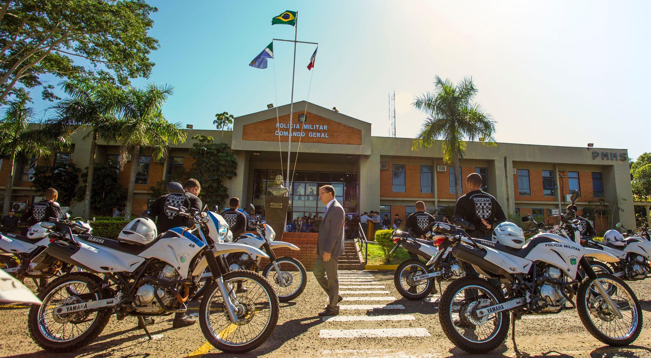 Deputado Barbosinha participa de formatura de militares que fizeram curso de batedores do GECAM. Fotos: João Garrigó