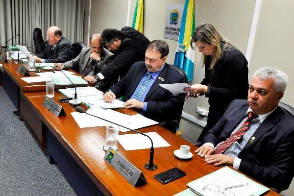 A reunião da CCJR ocorre todas as quartas-feiras, às 8h, no Plenarinho Nelito Câmara. Foto: Luciana Nassar
