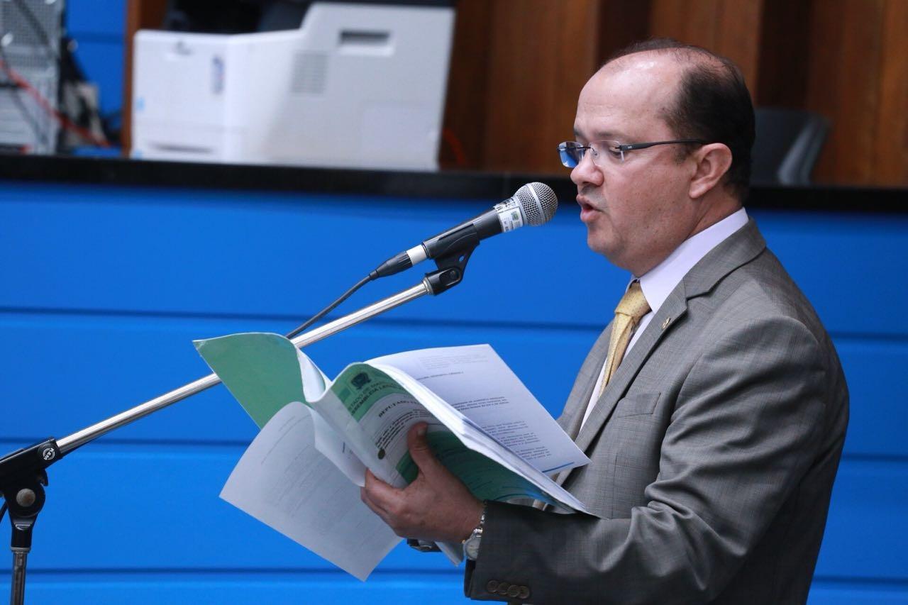 Deputado Barbosinha quer sinalização de trânsito e drenagem em avenida de Aparecida do Taboado. Foto: João Garrigó