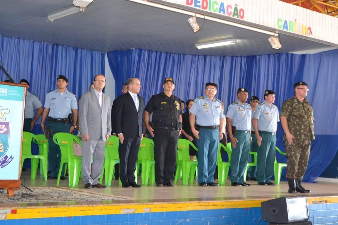 Deputado Barbosinha comemora formatura de novos cabos da Polícia Militar. Foto: Assessoria