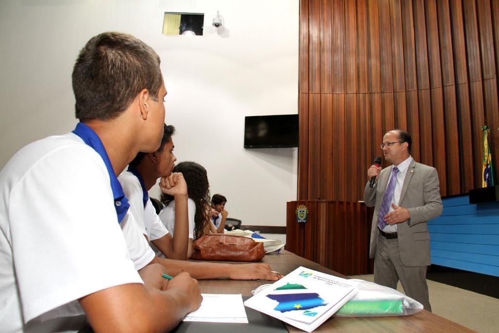 Parlamento Jovem permite aos estudantes debater o cenário político atual.  Foto: Wagner Guimarães