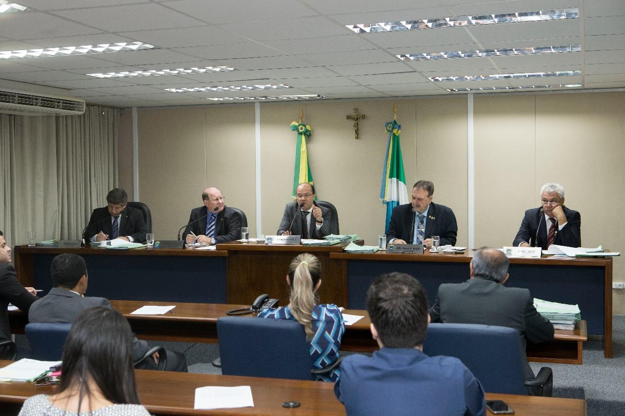 Relatores da CCJR emitiram dez pareces favoráveis na reunião de hoje. Foto: João Garrigó
