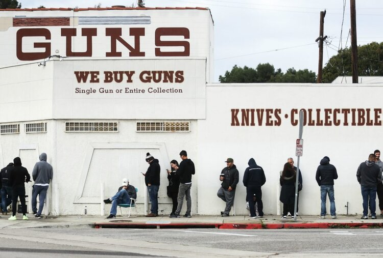 guns-los-angeles-mario-tama-getty-1068x722.jpg