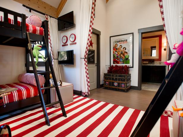 Beau would have HATED that room. All those stripes...psh.