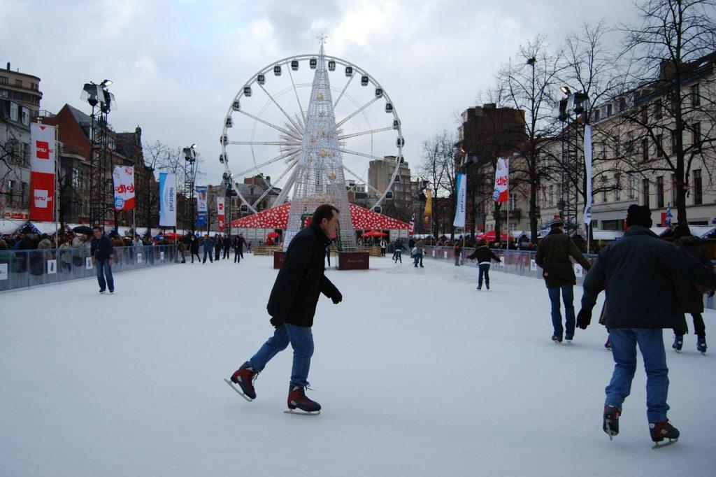 ice-skating-228423_1280