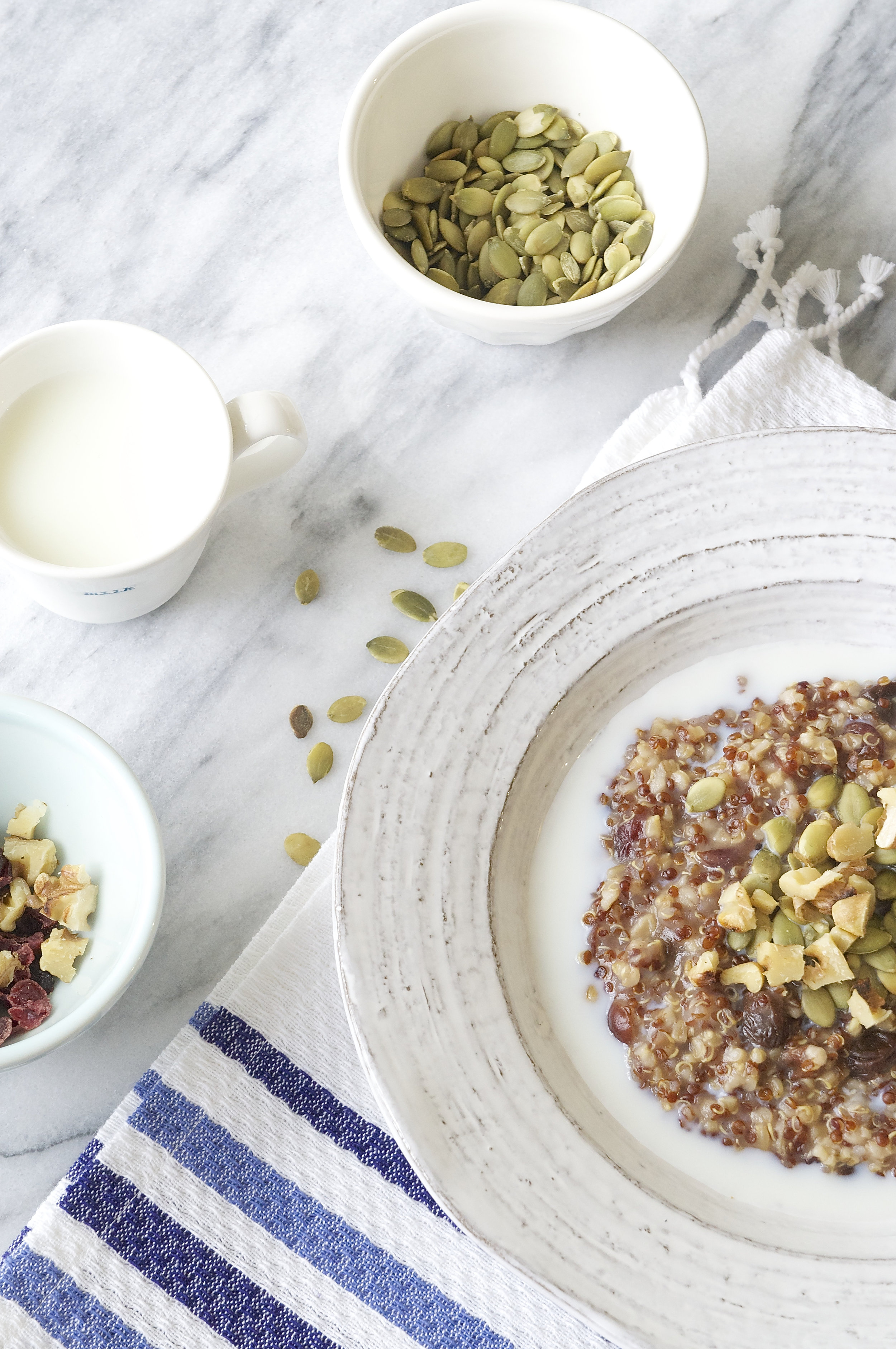 Hot Oat and Quinoa Breakfast Bowl
