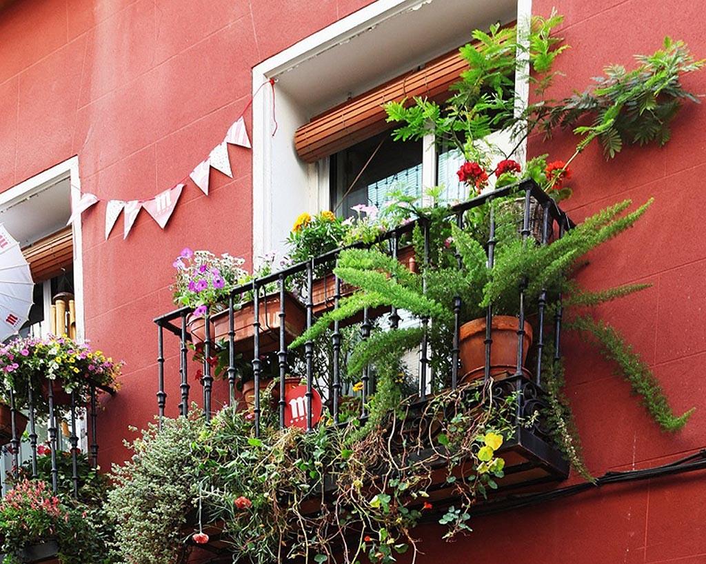 balcon-decoraccion-flores-1024x818