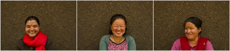 Algunas de las artesanas que elaboran las alfombras