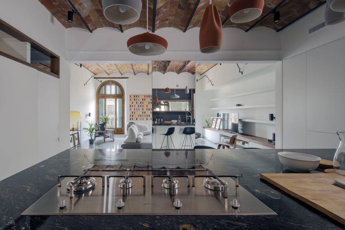 Casa con balcones a Plaça Catalunya en Barcelona