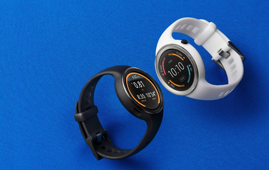 The two colour options for the Moto 360 smartwatch - black or white