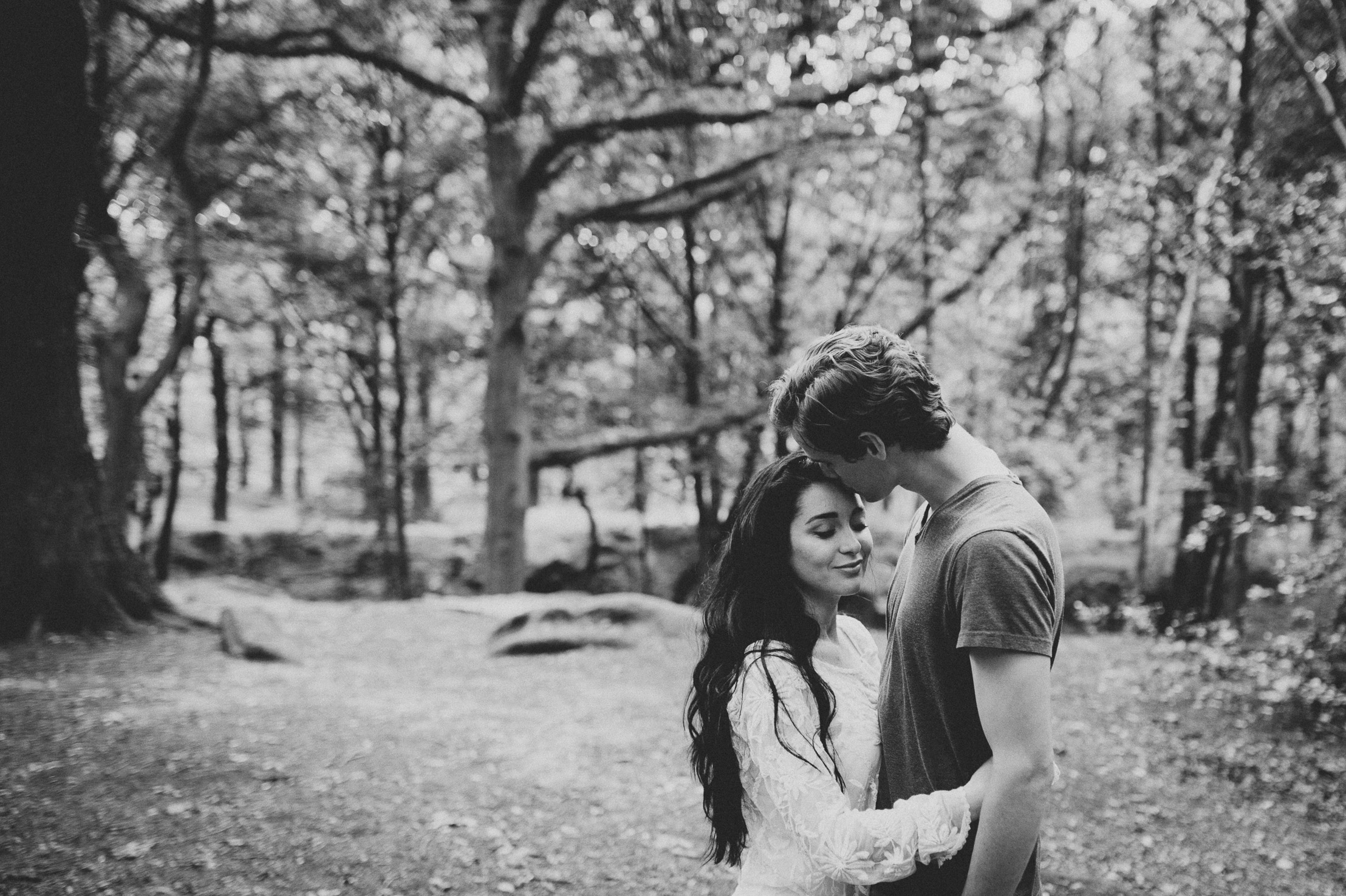 Leeds Couple portrait session in Meanwood park