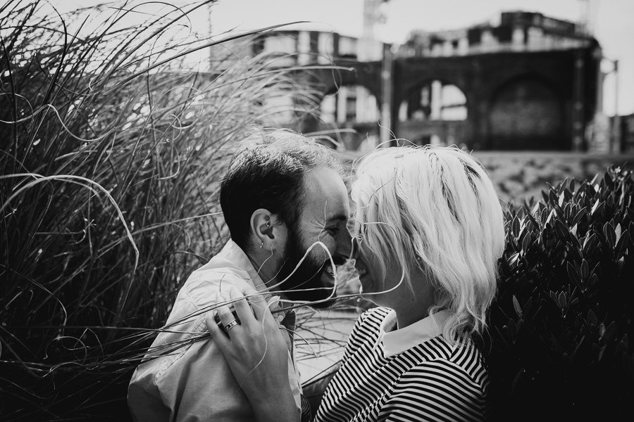 London cool engagment photography-11