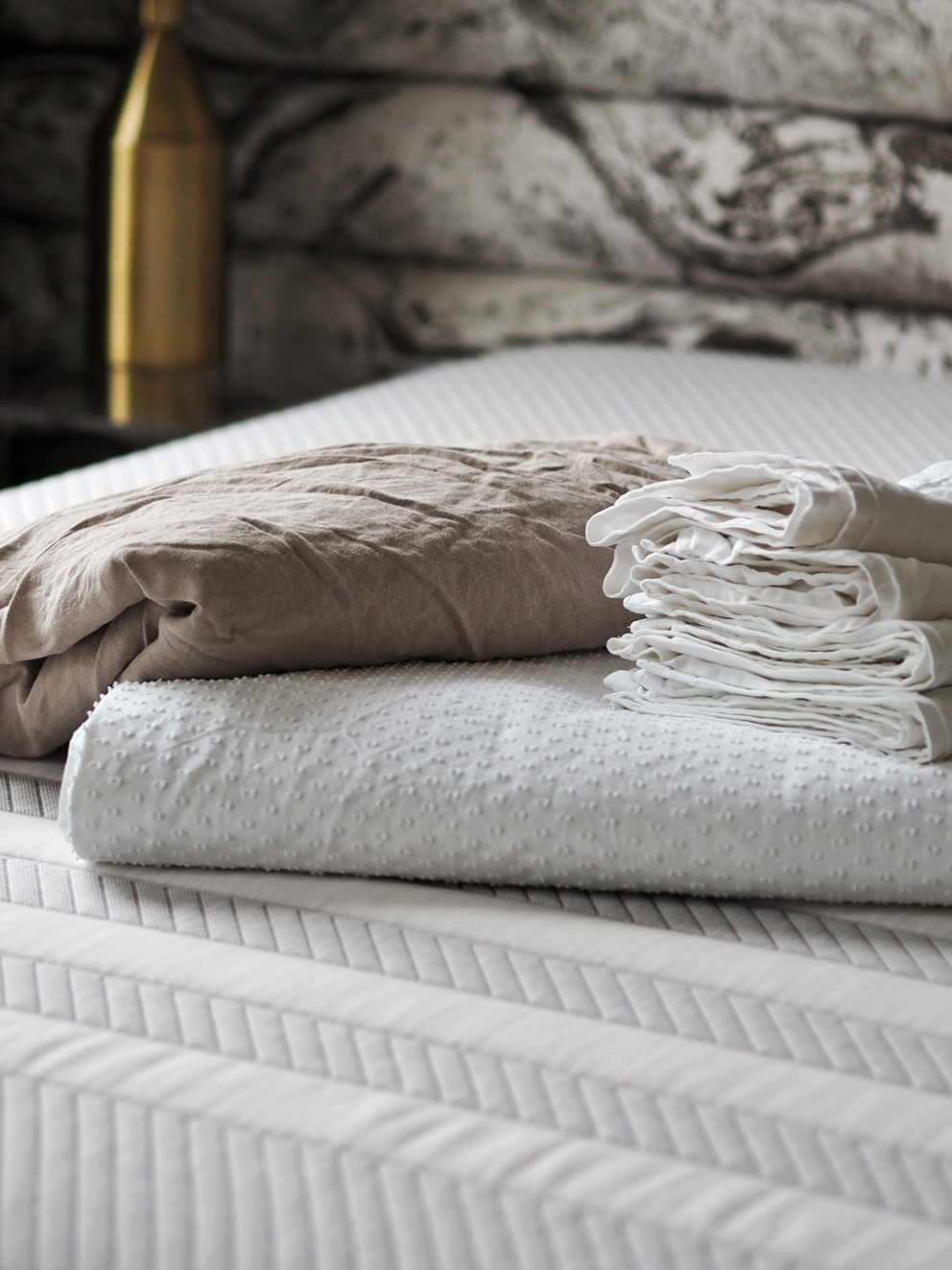 French For Pineapple Blog - Leesa Mattress Review