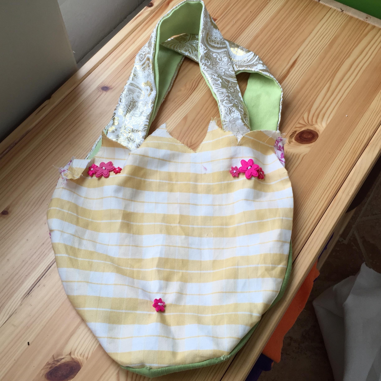 Back of tulip bag.