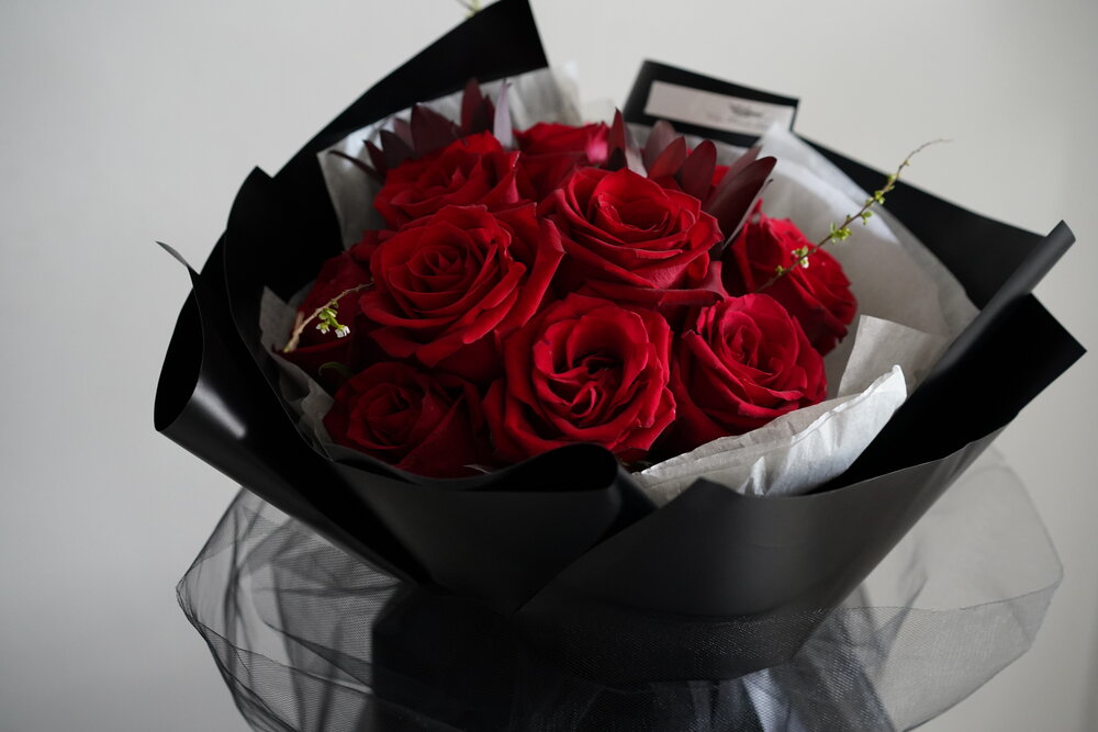 Aesthetic Red Roses Bouquets For Fire Signs When Stars Align