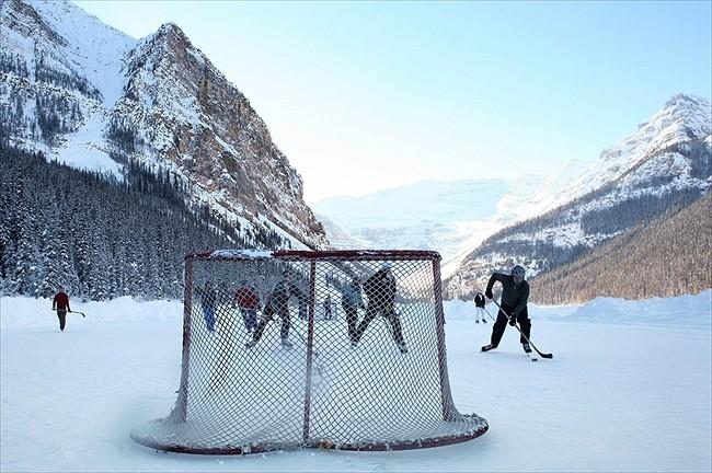 outdoor hockey
